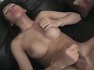 Teen shemale scrubbing her dick
